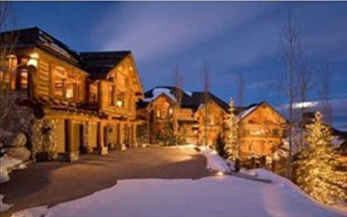 A look at mitt romney 39 s homes portland press herald for Affitto cabina park city utah