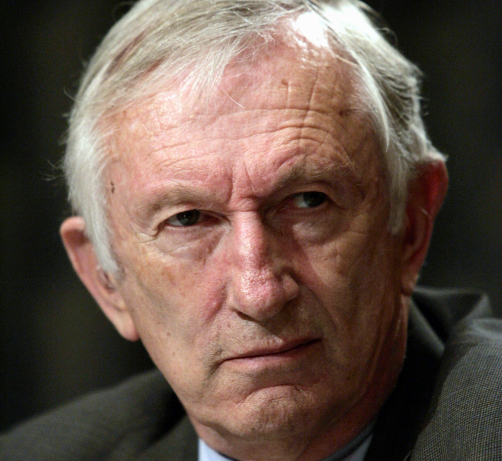 Sen. Jim Jeffords, who in 2001 tipped control of the Senate when he quit the Republican Party to become an independent, died Monday at the age of 80.