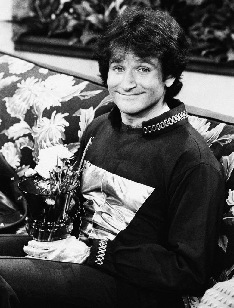 """This 1978 photo, originally released by ABC, shows Robin Williams on the set of ABC's sitcom """"Mork and Mindy."""""""