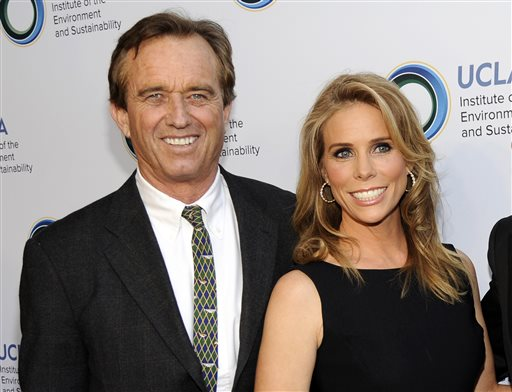 Actress Cheryl Hines and Robert F. Kennedy Jr. are planning to wed Saturday at the Kennedy compound on Cape Cod. The Associated Press