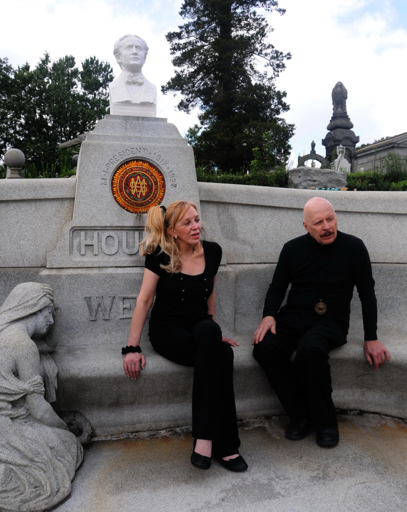 Dorothy Dietrich and Dick Brookz are leading the effort to fix Harry Houdini's gravesite.