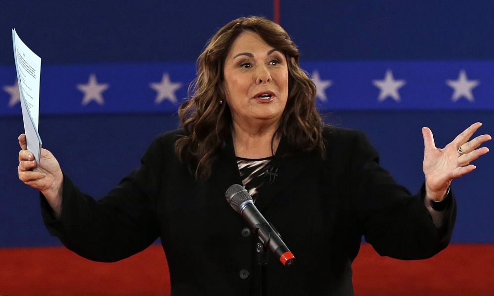 Moderator Candy Crowley talks to the audience before the second presidential debate at Hofstra University in 2012.