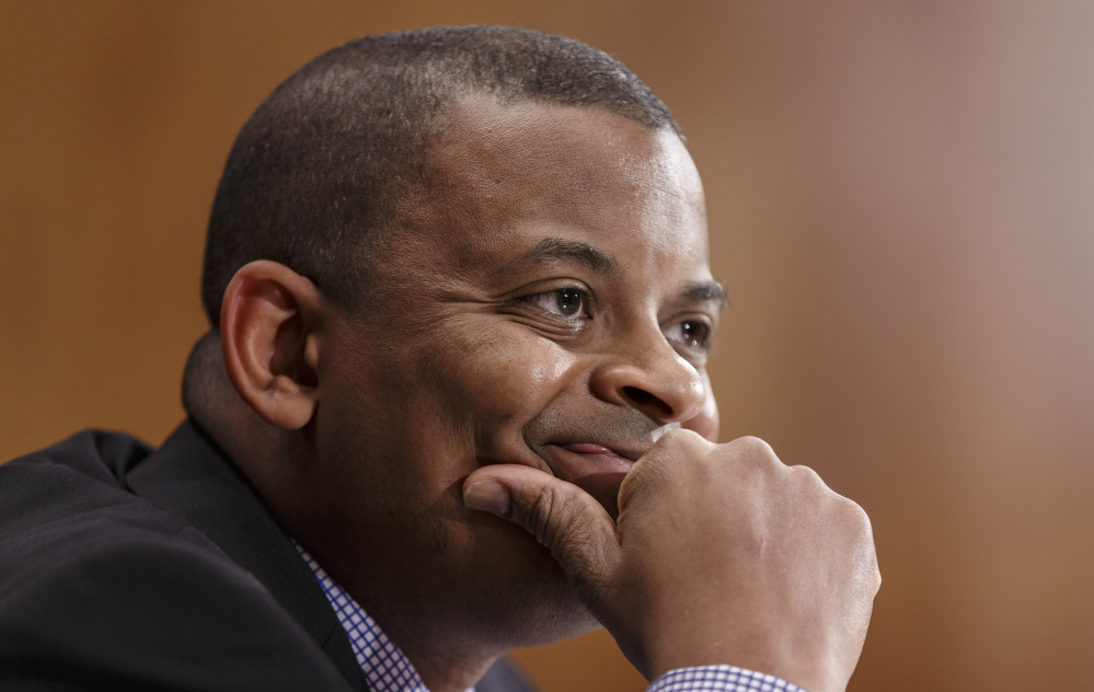 """""""We will pursue a thorough investigation of these consumer complaints,"""" says Transportation Secretary Anthony Foxx."""