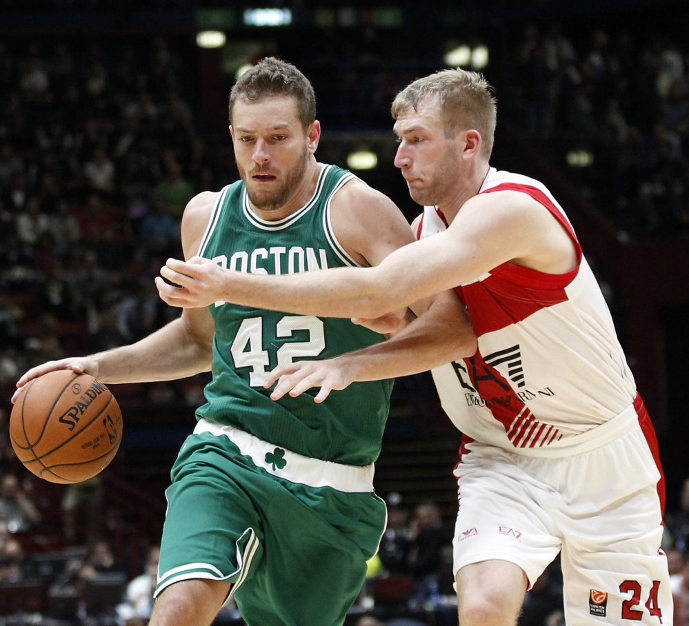 NBA notebook Boston forward David Lee sees similarities between