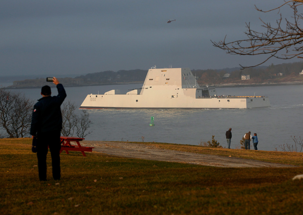 The Zumwalt passes Fort Williams on its way to Portland Harbor in December 2015.