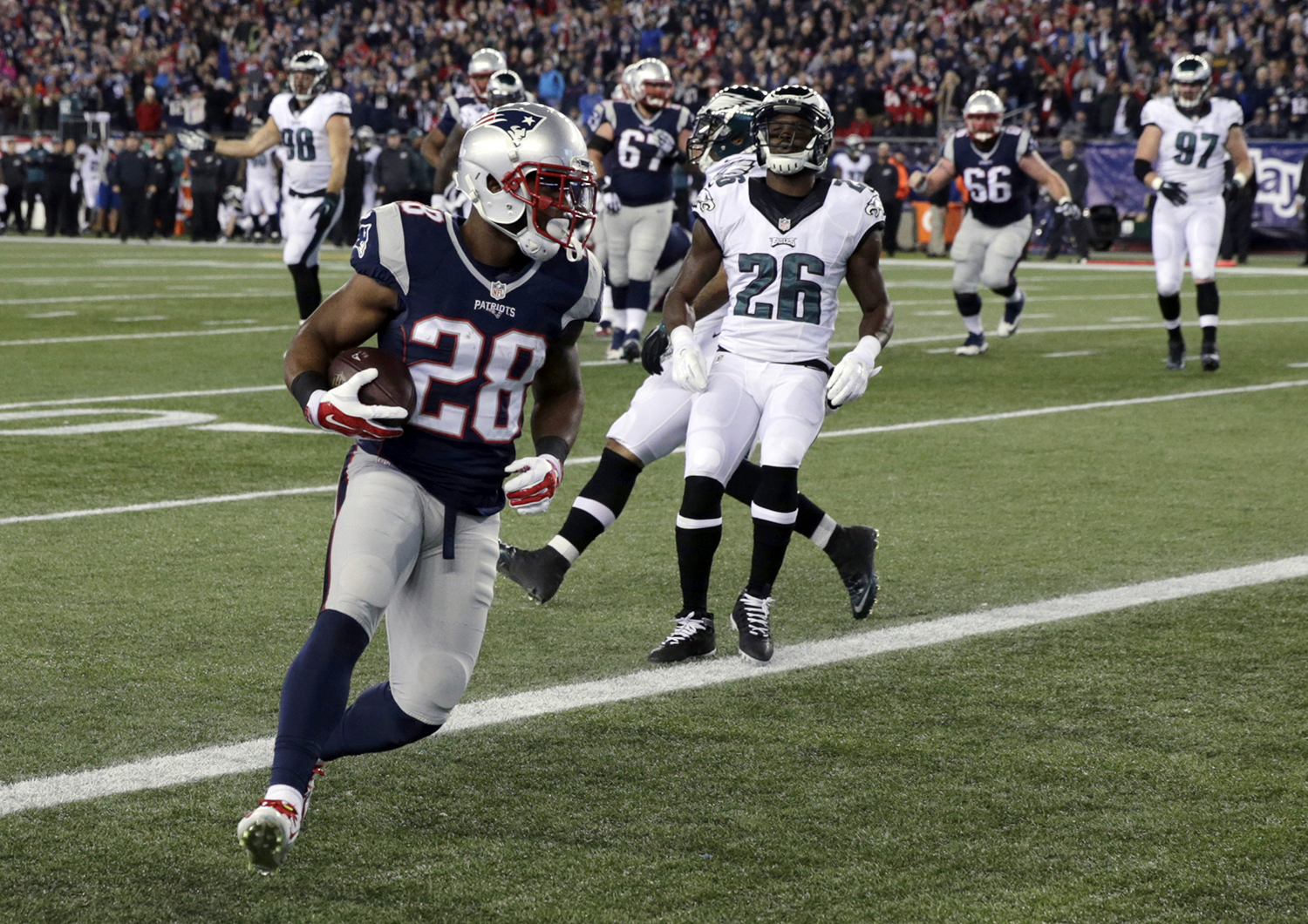 93932593dbe820 https   www.pressherald.com media gallery patriots-take-eagles  2015 ...