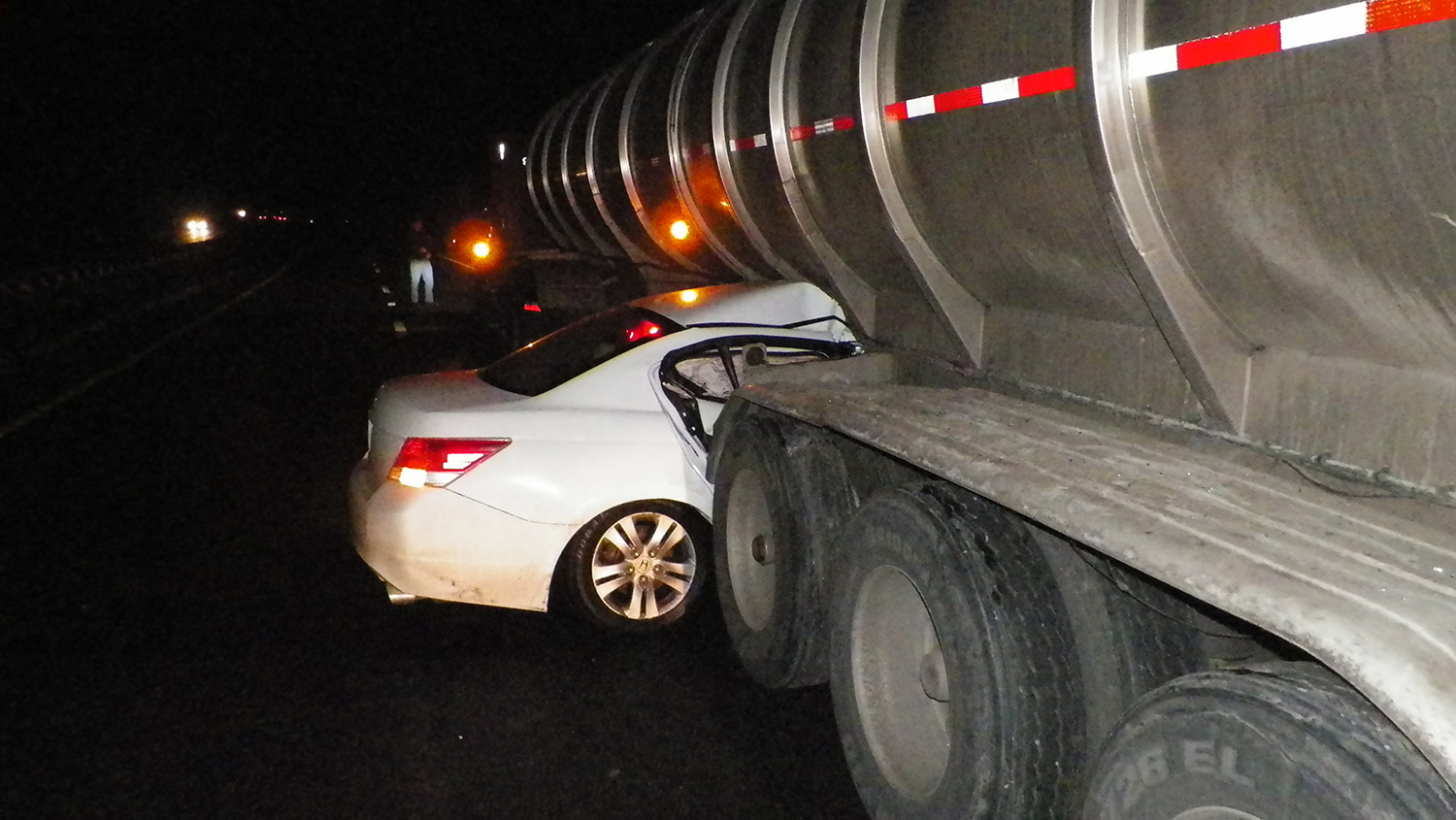 Car Gets Wedged Under Tractor Trailer In Accident On Maine