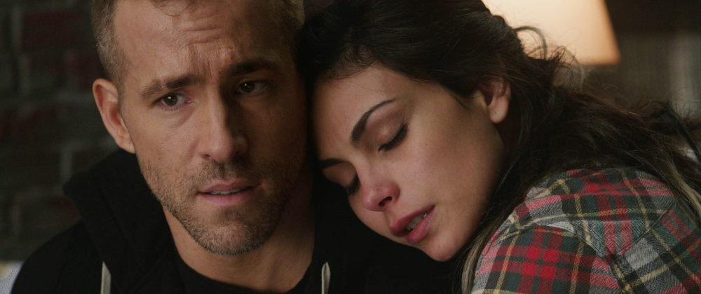 Reynolds as Wade Wilson/Deadpool and Morena Baccarin as Vanessa Carlysle/Copycat.
