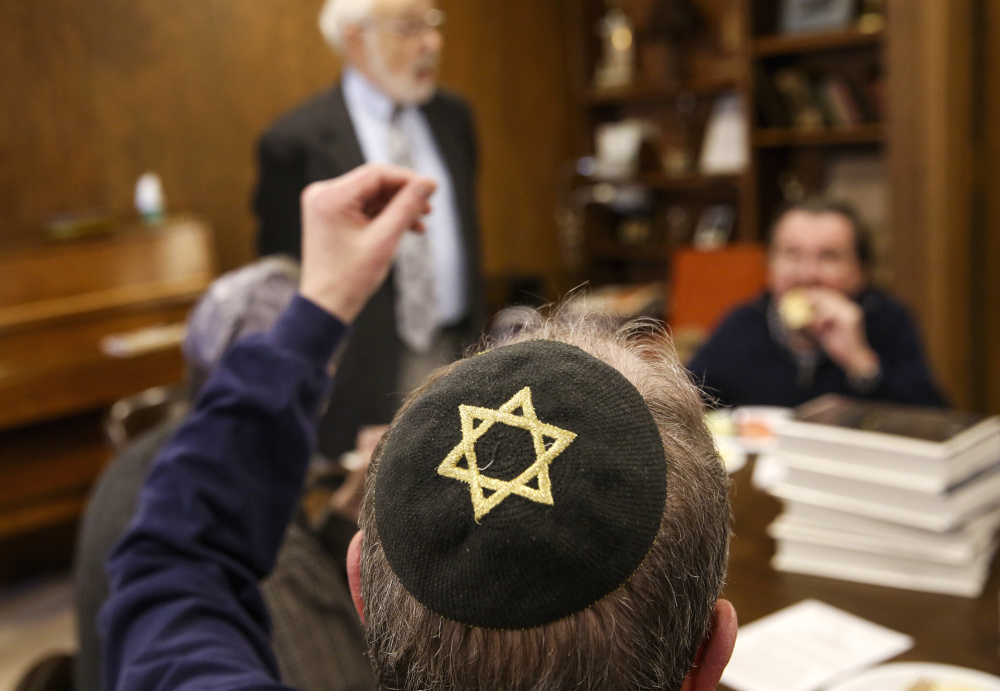 "People of Jewish and other faiths attend a ""Lunch and Learn"" meeting at Joliet Jewish Congregation in Joliet, Ill. The program is conducted by Rabbi Charles Rubovits following a syllabus produced by the United Synagogue of Conservative Judaism from its school in Jerusalem.Topics of discussion range from the Ten Commandments to presidential candidates."