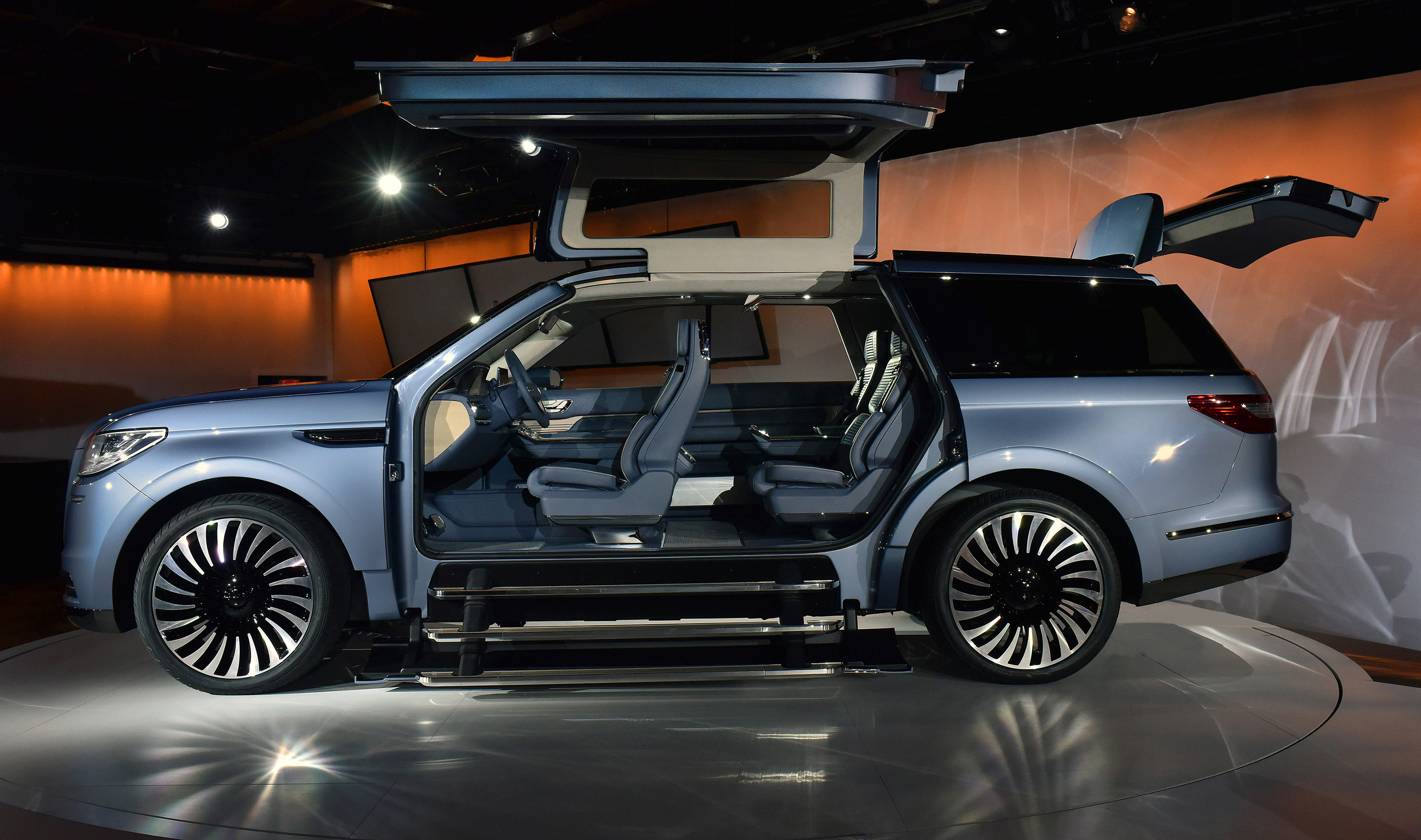 Lincoln Navigator With Gull Wing Doors Stuns New York Auto Show
