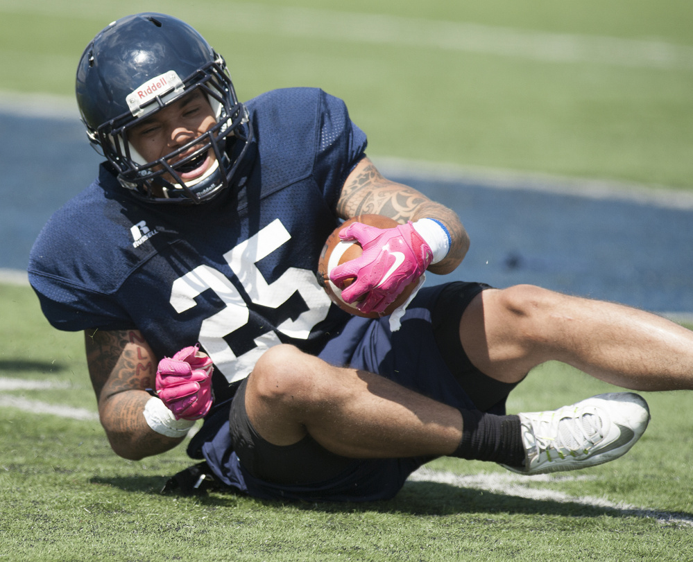 Sophomore running back Darian Davis-Ray has high expectations for the Black Bears' offense.