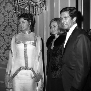 "Ingrid Bergman, her daughter Pia, and Hugh O'Brian arrive at the Beverly Hilton in 1969. O'Brian, who played Wyatt Earp on ""The Life and Legend of Wyatt Earp,"" has died at 91."