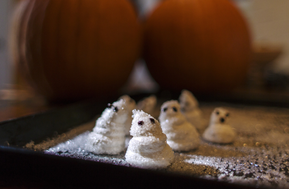 These marshmallow ghosts were made with