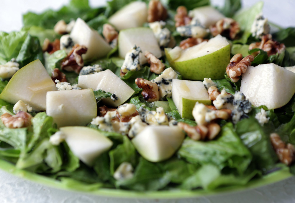 Pear salad with romaine and Stilton.