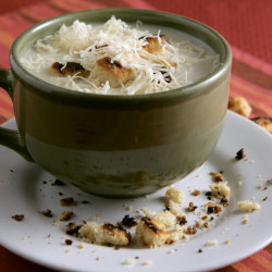 Flemish onion soup with cheese.