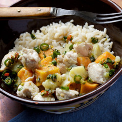 Sweet potatoes with chicken and lemongrass.