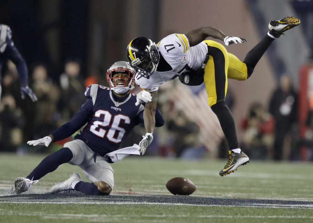Patriots cornerback Logan Ryan breaks up a pass intended for Steelers wide receiver Eli Rogers during the second half