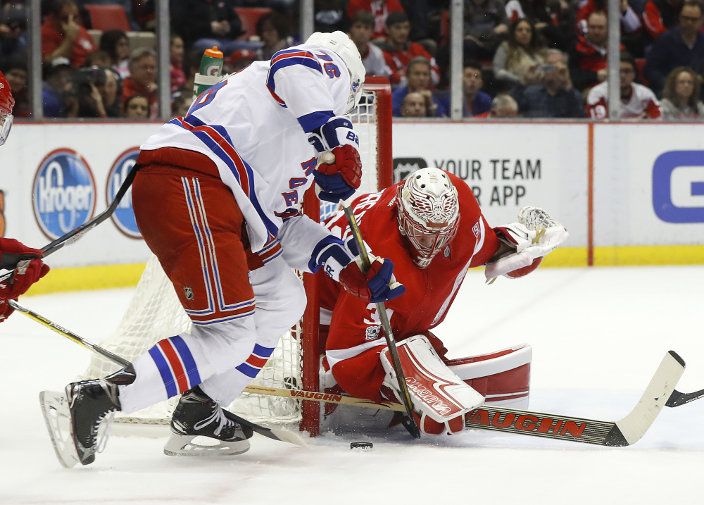 Lundqvist superb as Rangers blank Red Wings