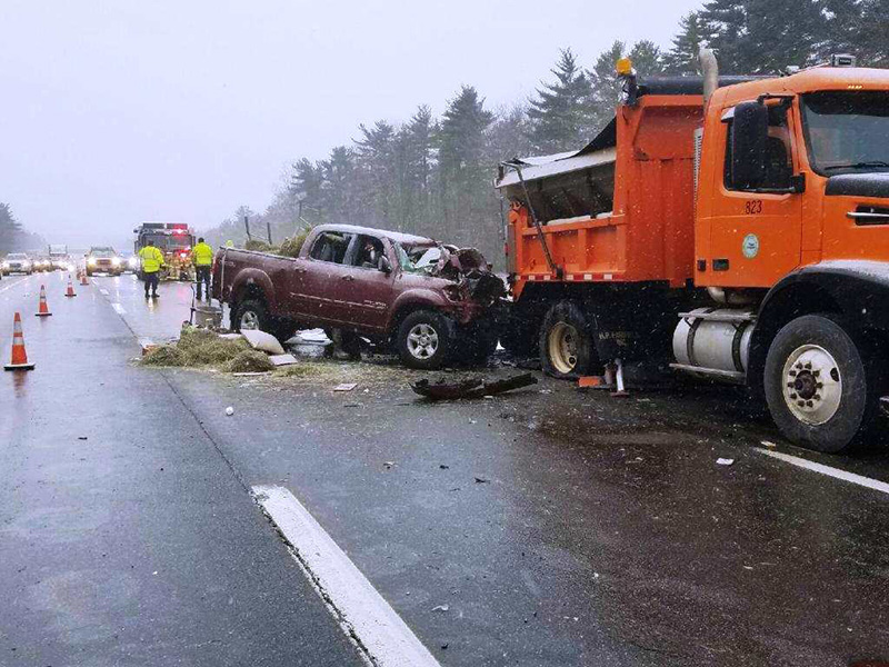 Waldoboro man dies when plow truck, pickup collide on Maine Turnpike