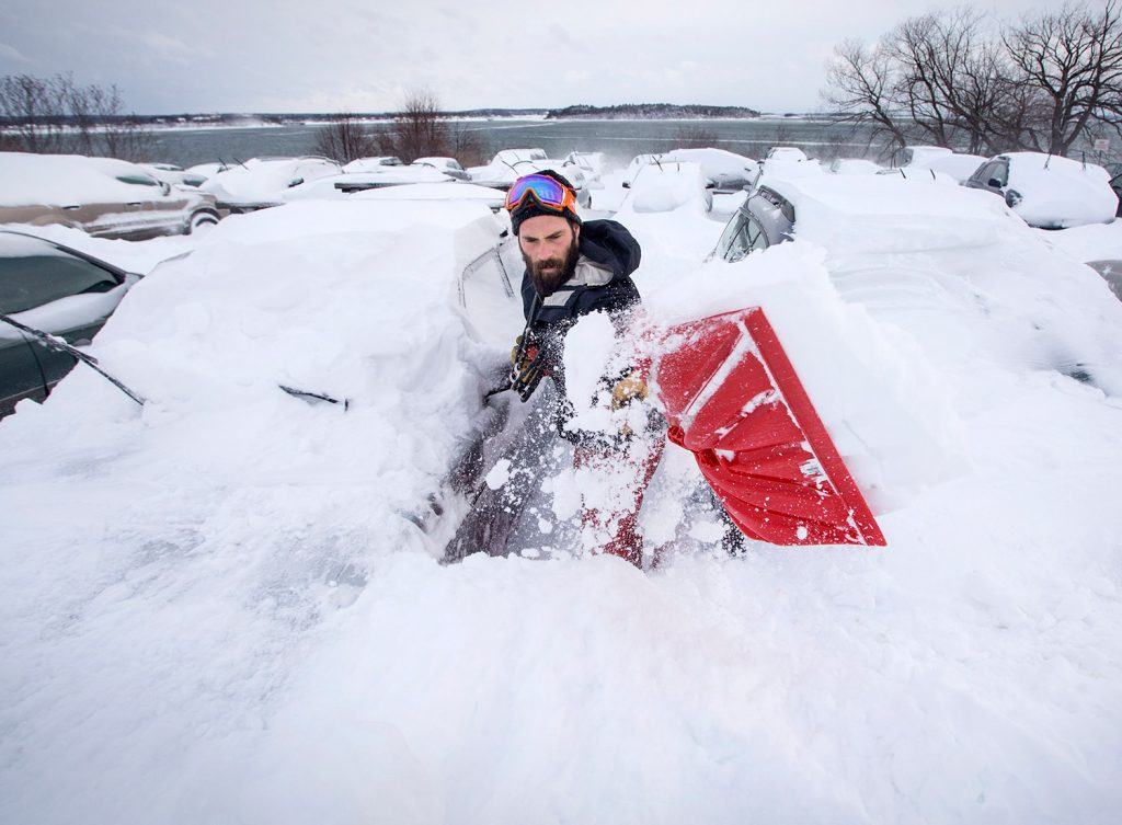 Maine In Big Dig Mode After Storm Drops 2 Feet Of Snow In