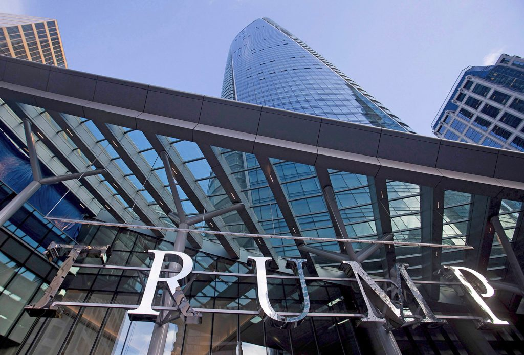 A Trump Tower opens in Vancouver but the welcome isn't ...