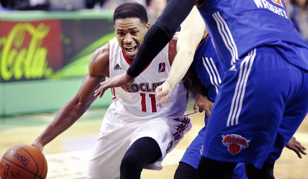 Maine Red Claws guard Demetrius Jackson drives to the basket on Thursday against the Westchester Knicks at the Portland Expo.