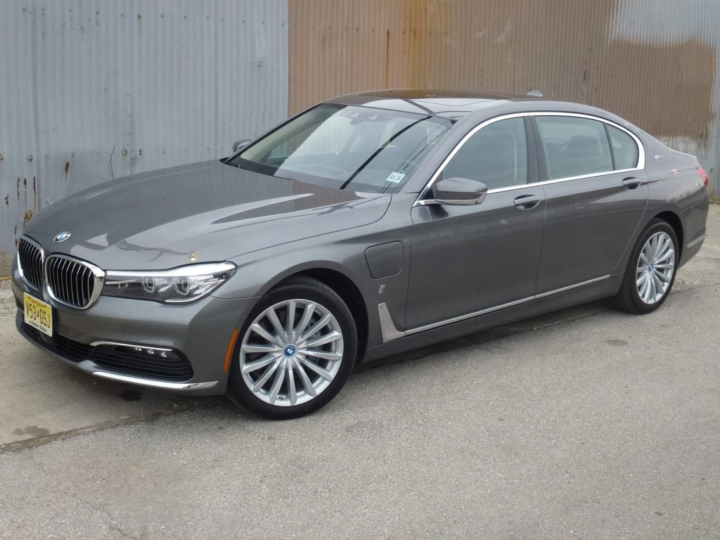 The 2017 BMW 740e xDrive is a plug-in hybrid variant of the flagship luxury sedan.