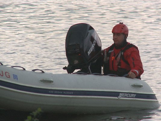 NH man safe, ME woman missing in canoe accident; officers injured, airlifted