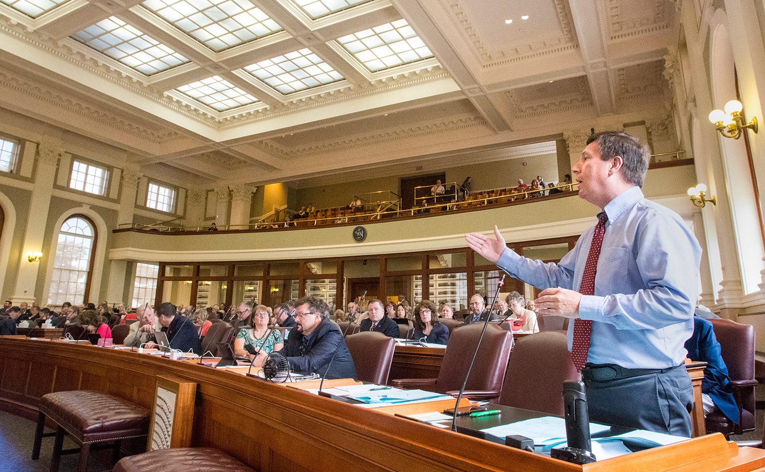 legislatures of louisiana solving the budget La house votes to pass budget calling to cut tops funding by 20%  some  legislators, like democratic caucus chairman robert johnson of  weeks of  house republicans claiming that they could solve the state's budget.