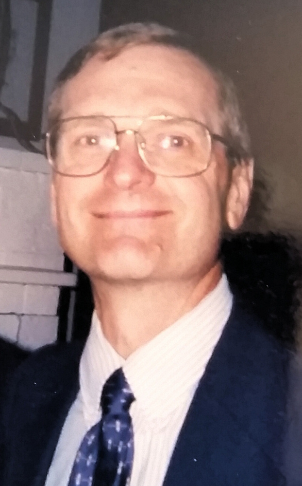 Arthur Marcoux, an accountant who operated Service Four in South Portland, died Sunday after suffering a severe reaction to wasp stings.