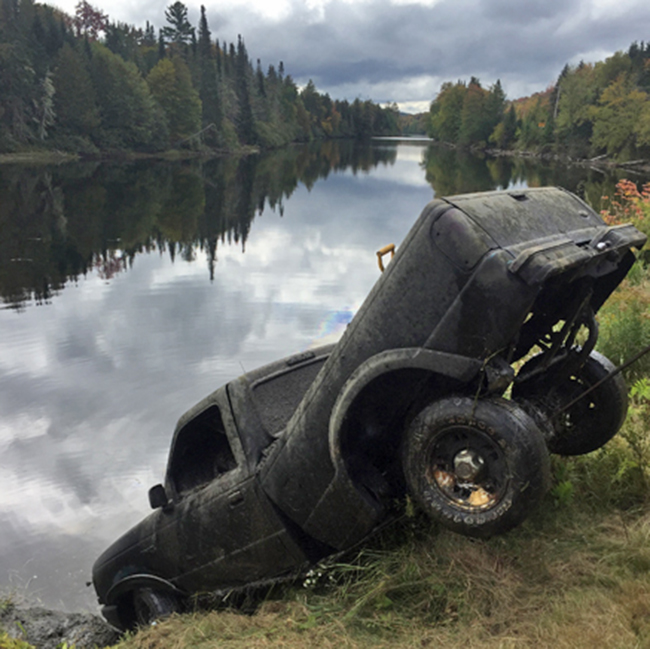 NH police say truck in river related to 1998 disappearance""