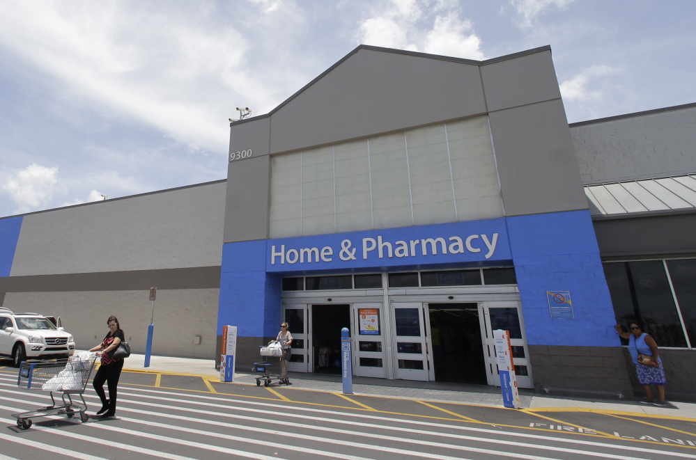 As Wal-Mart shores up online to take on Amazon.com and more traditional rivals, like Target, it also has an eye on expanding groceries online. Wal-Mart has fast increased the number of U.S. stores that allow online grocery shoppers to pick up orders at the curb, with 1,000 locations taking part so far.