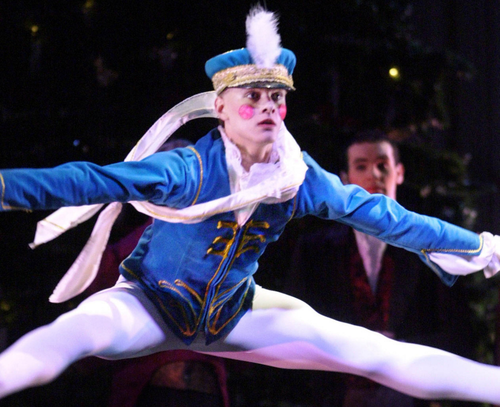 Holiday theater: Good Theater brings Broadway stars to Portland for festive show