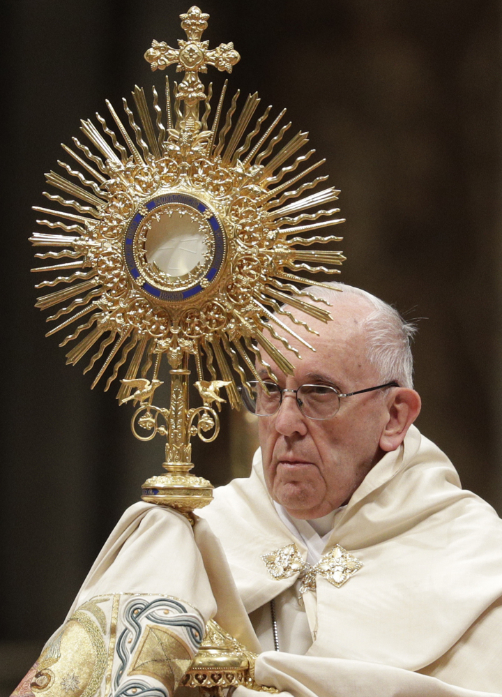 Pope Decries Man-made Ills From Past Year