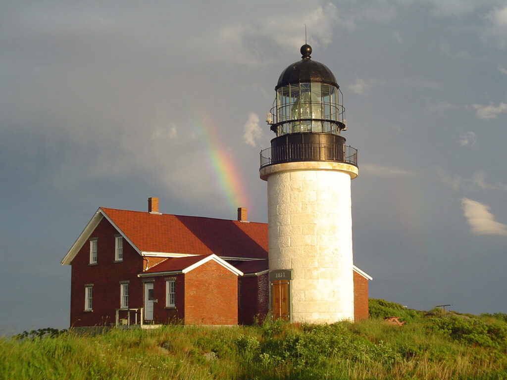 The Friends of Seguin Lighthouse plan to install solar panels at the historic site to replace an electrical cable that was severely damaged.