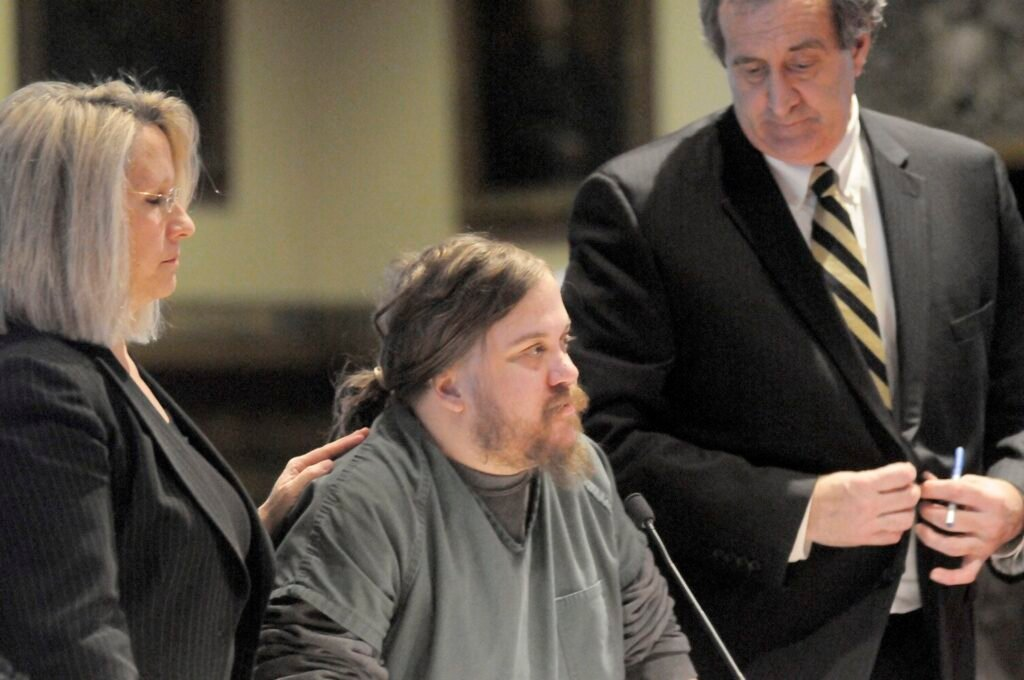 Eric Bard is flanked by his attorneys, Gina Yamartino and Ronald Bourget, during a hearing Jan. 5, 2015, at Kennebec County Superior Court in Augusta.