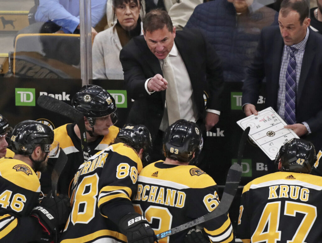 Bruins extend contract of coach Bruce Cassidy
