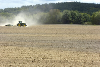 A crop specialist is informing Maine potato farmers that they may have to discontinue use of a pesticide that controls blight.