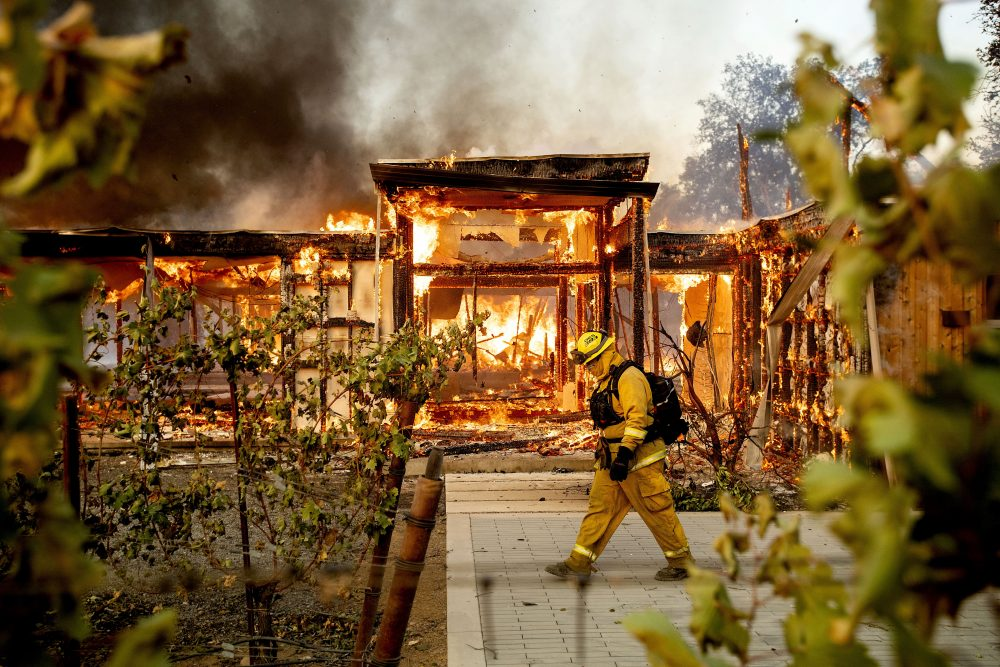 APTOPIX_California_Wildfires_Blackout_71320