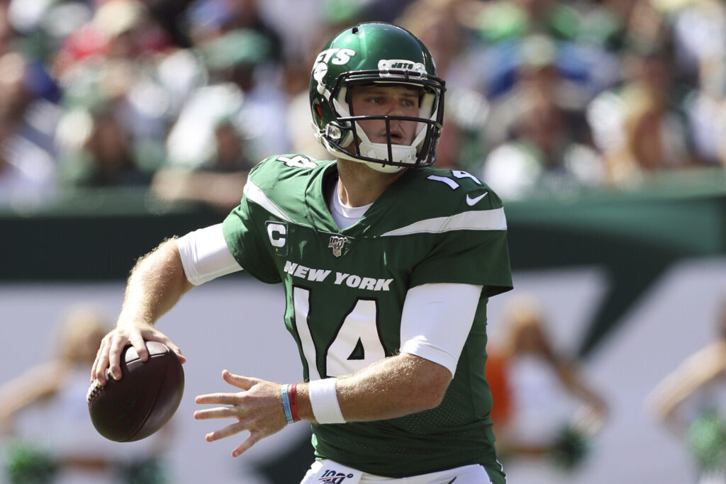 New York Jets quarterback Sam Darnold will start on Sunday after being cleared by doctors following a bout with mononucleosis.