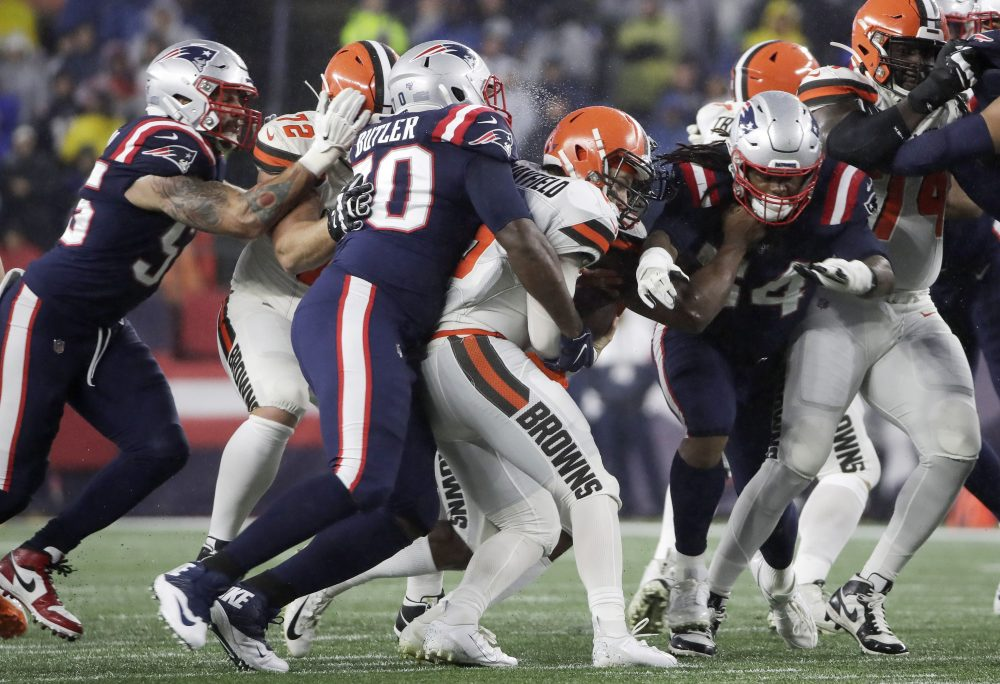 Browns_Patriots_Football_42021