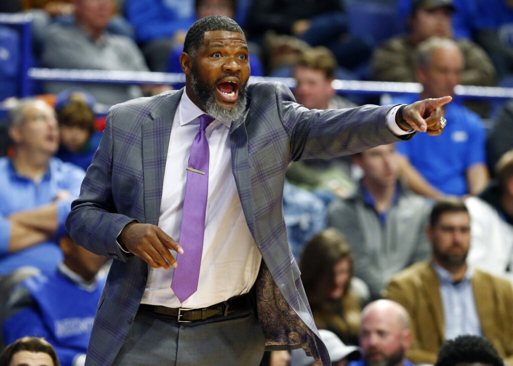 Evansville Coach Walter McCarty, formerly a player with the Celtics, guided his Evansville team to an upset win at top-ranked Kentucky on Tuesday.