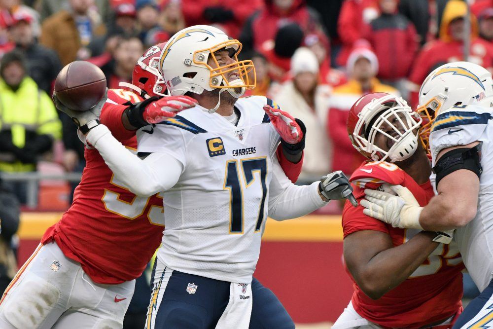 Chargers_Chiefs_Football_81476