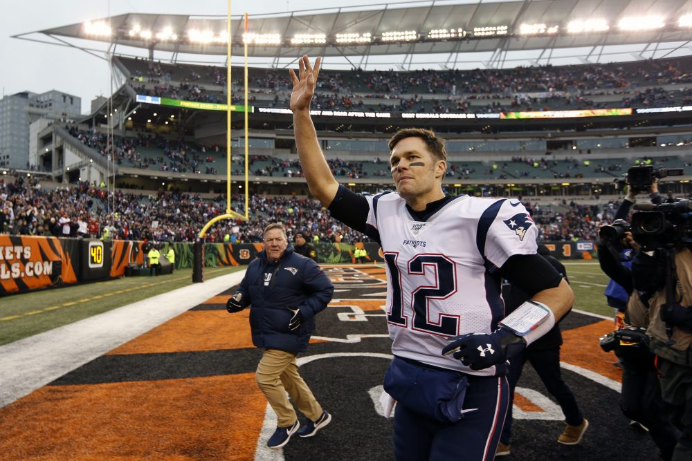 New England Patriots quarterback Tom Brady waves to the crowd afterbeating Cincinnati on Dec. 15.
