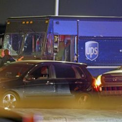 UPS_Truck_Chase-Shootout_75138