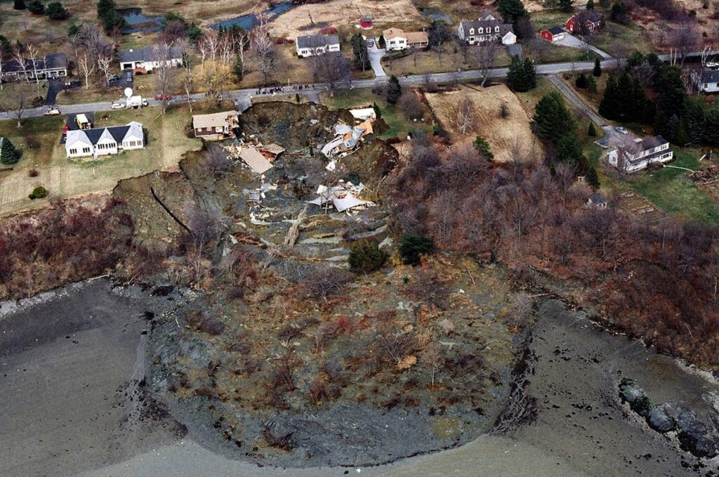 An aerial view of Rockland's Samoset Road shows the devastation caused when a landslide eroded more than 600 feet of shoreline on April 16, 1996.