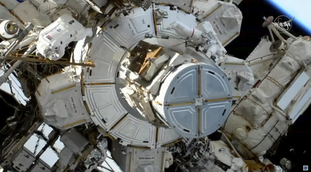 Space_Station_98952
