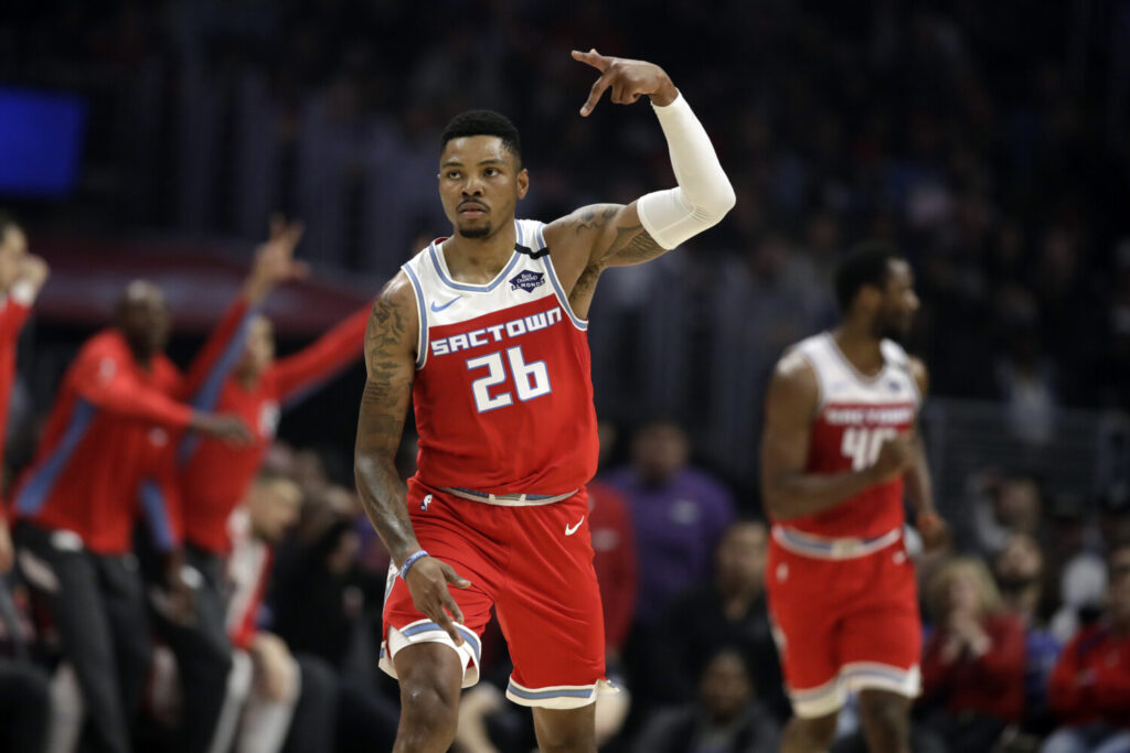 Sacramento's Kent Bazemore reacts after scoring against the Los Angeles Clippers on Sunday in Los Angeles. Bazemore scored 23 points in the Kings' 112-103 win.