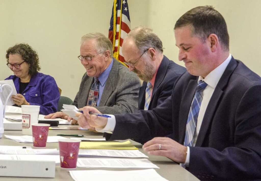 Vacancies mounting on Maine ethics commission