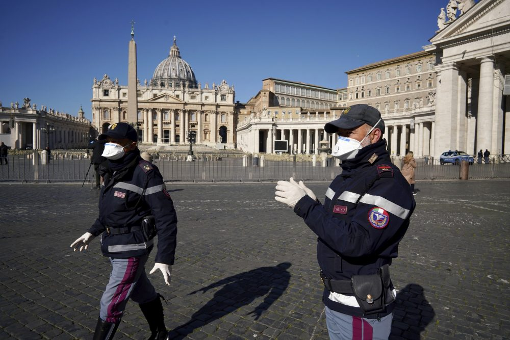 Vatican closed to tourists, but still 'open to worshippers', amid coronavirus